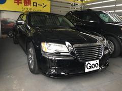 沖縄の中古車 クライスラー クライスラー 300 車両価格 250万円 リ済別 2013年 4.6万K ブラック