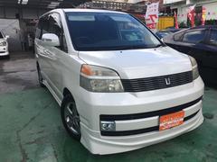 沖縄の中古車 トヨタ ヴォクシー 車両価格 29万円 リ済込 平成15年 12.4万K パールホワイト