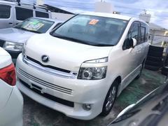 沖縄の中古車 トヨタ ヴォクシー 車両価格 65万円 リ済込 平成21年 11.6万K パール