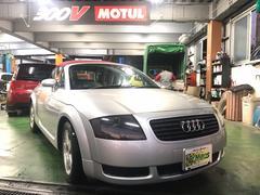 沖縄の中古車 アウディ アウディ TTロードスター 車両価格 49万円 リ済込 2002年 10.8万K シルバー