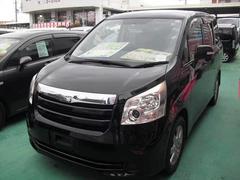 沖縄の中古車 トヨタ ノア 車両価格 98万円 リ済込 平成20年 8.8万K ブラック