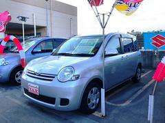 沖縄の中古車 トヨタ シエンタ 車両価格 88万円 リ済込 平成24年 7.6万K シルバー