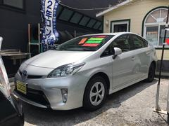 沖縄の中古車 トヨタ プリウス 車両価格 134万円 リ済込 平成26年 3.4万K シルバー