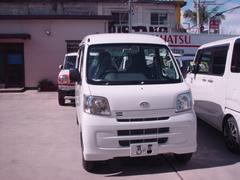 沖縄の中古車 ダイハツ ハイゼットカーゴ 車両価格 89万円 リ済込 平成29年 6K ホワイト