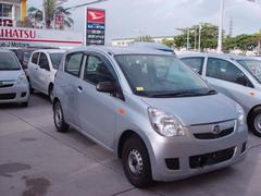 沖縄の中古車 ダイハツ ミラ 車両価格 23万円 リ済込 平成23年 6.9万K グレー