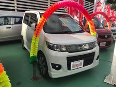 沖縄の中古車 スズキ ワゴンRスティングレー 車両価格 84万円 リ済込 平成24年 6.4万K パール