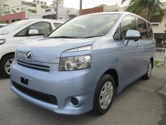 沖縄の中古車 トヨタ ヴォクシー 車両価格 114.5万円 リ済別 平成21年 8.9万K ライトブルーメタリック