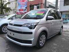 沖縄の中古車 トヨタ スペイド 車両価格 88万円 リ済別 平成25年 7.1万K シルバー