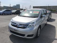 沖縄の中古車 トヨタ アイシス 車両価格 88万円 リ済別 平成25年 6.7万K シルバー