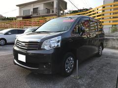 沖縄の中古車 トヨタ ノア 車両価格 135万円 リ済別 平成23年 7.7万K グレー