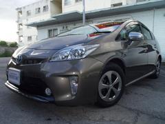 沖縄の中古車 トヨタ プリウス 車両価格 159万円 リ済別 平成25年 3.4万K ゴールド