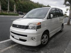 沖縄の中古車 トヨタ ヴォクシー 車両価格 29万円 リ済込 平成13年 16.5万K パールホワイト
