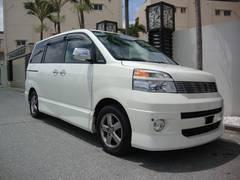 沖縄の中古車 トヨタ ヴォクシー 車両価格 29万円 リ済込 平成16年 11.0万K パールホワイト