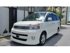 沖縄の中古車 トヨタ ヴォクシー 車両価格 29万円 リ済込 平成15年 13.3万K スーパーホワイトII