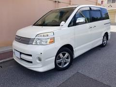 沖縄の中古車 トヨタ ヴォクシー 車両価格 25万円 リ済込 平成18年 13.8万K パールホワイト