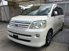沖縄の中古車 トヨタ ノア 車両価格 39万円 リ済込 平成18年 11.3万K ホワイトパールマイカ