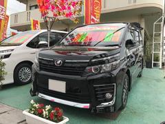 沖縄の中古車 トヨタ ヴォクシー 車両価格 225万円 リ済込 平成26年 7.0万K ブラック