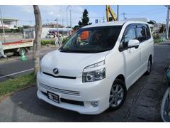 沖縄の中古車 トヨタ ヴォクシー 車両価格 75万円 リ済込 平成20年 14.5万K ホワイトパールクリスタルシャイン