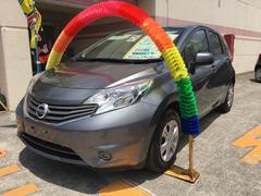 沖縄の中古車 日産 ノート 車両価格 79万円 リ済込 平成25年 6.3万K ダークメタルグレーM