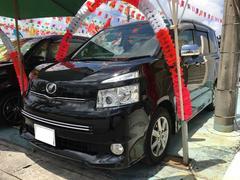 沖縄の中古車 トヨタ ヴォクシー 車両価格 88万円 リ済込 平成21年 10.1万K ブラック