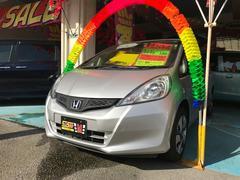 沖縄の中古車 ホンダ フィット 車両価格 59万円 リ済込 平成24年 4.0万K アラバスターシルバーメタリック