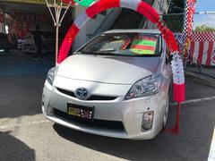 沖縄の中古車 トヨタ プリウス 車両価格 109万円 リ済込 平成23年 7.4万K シルバー