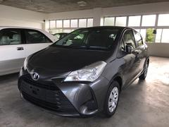 沖縄の中古車 トヨタ ヴィッツ 車両価格 135万円 リ済別 平成29年 0.7万K グレー