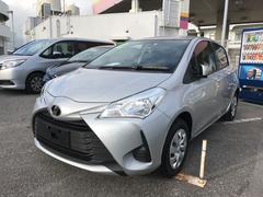 沖縄の中古車 トヨタ ヴィッツ 車両価格 135万円 リ済別 平成29年 0.6万K シルバー