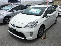 沖縄の中古車 トヨタ プリウス 車両価格 158万円 リ済別 平成26年 3.6万K パールホワイト