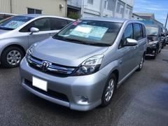 沖縄の中古車 トヨタ アイシス 車両価格 168万円 リ済別 平成28年 0.6万K シルバー