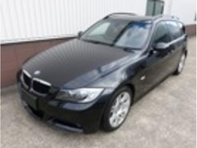 BMW 3シリーズ 320iツーリング Mスポーツパッケージ パノ...