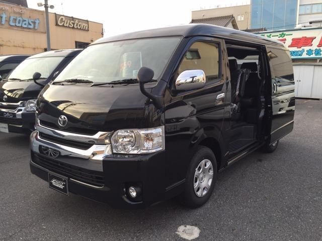 トヨタ 3ナンバー10人乗 VIPファミリー8 ベットキット