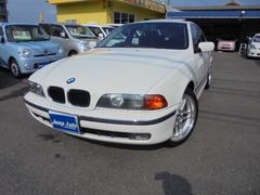 BMW525iディーラー車 サンルーフ 黒革シート