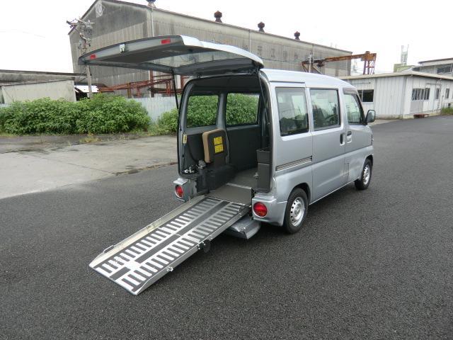 日産 福祉車両 スロープ 定員4人 車高降下装置付