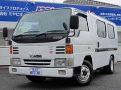 タイタントラックバン 4ドア 3.0D 4ナンバー車