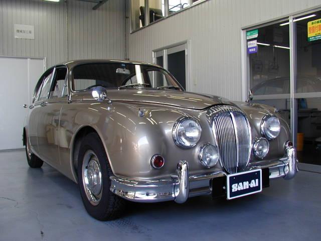 デイムラー 250 V8