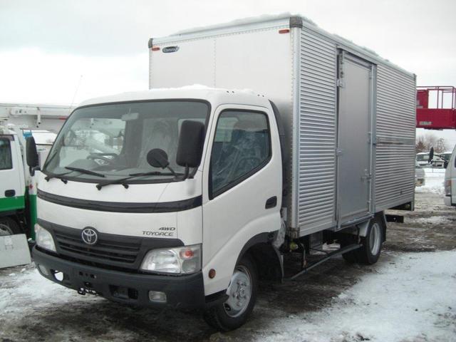 トヨタ 2トンアルミバン 4WD ワイドロング