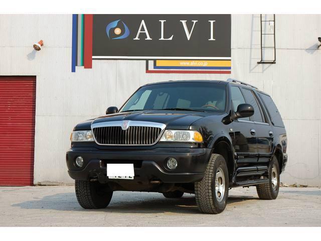 選んでお得『アルヴィの安心無料保証』付き♪4WD・1ナンバー登録車両/乗車定員4人・人気のナビゲーター