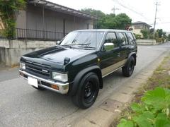 テラノV6−3000 R3M ガソリン 17インチ背面タイヤ