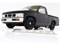 ダットサントラックDX ベンチシート 5速コラムシフト 荷台防錆加工 3人乗り