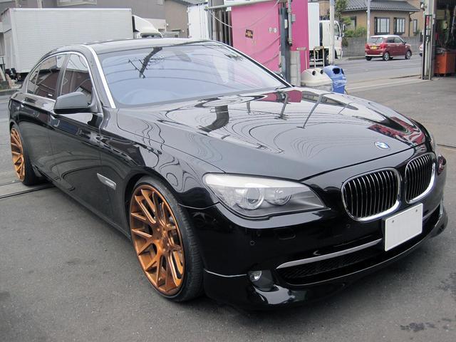 BMW 7シリーズ 750Li 社外22インチアルミ ハーマンマフ...