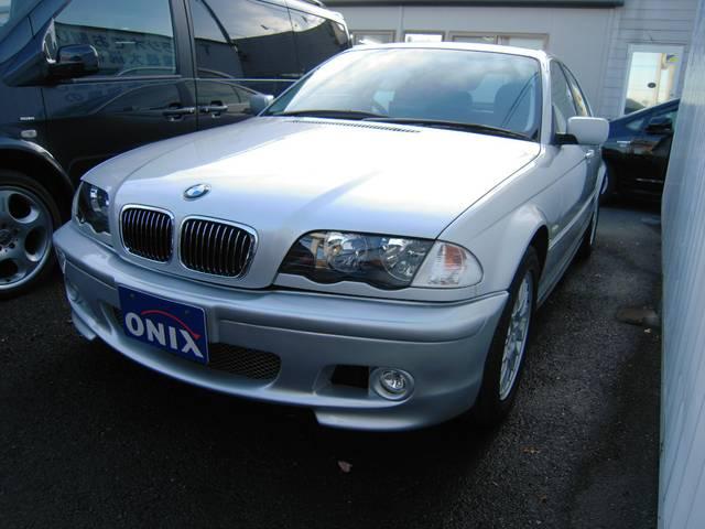 BMW 320i ブラックレザー サンルーフ M仕様 ストラーダ