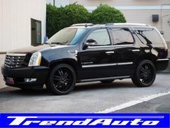 キャデラック エスカレード黒内装 パワーステップ 新品ブラック22AWタイヤ新車並行車