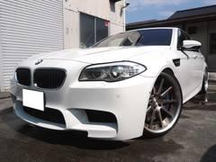 BMWM5  F10 − LHD