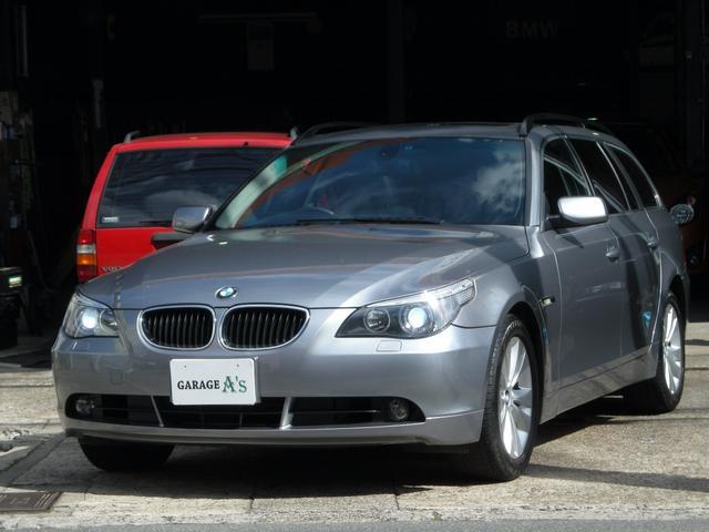 BMW 5シリーズ 525iツーリング 黒革シート (検30.5)