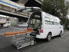 キャラバンバス福祉車両チェアキャブMタイプ車いす2台固定 ストレッチャー付