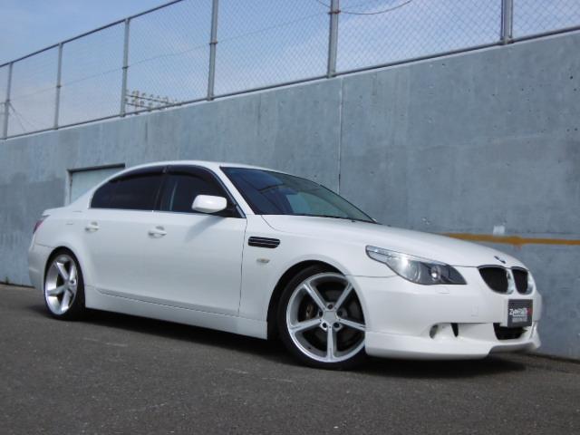 BMW 5シリーズ 530i左ハンドルACシュニッツァー19AWロ...