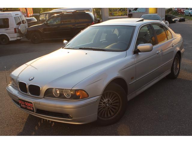 BMW 5シリーズ 左ハンドル525iハイライン 黒革シート サン...