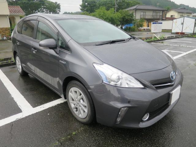 Photo of TOYOTA PRIUS ALPHA S / used TOYOTA
