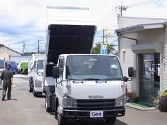 エルフトラック低床ダンプ 4WD NOxPM適合車 最大積載量2000kg
